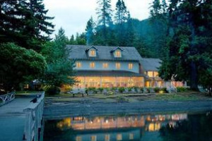 Off the Beaten Path | stay at Lake Crescent Lodge